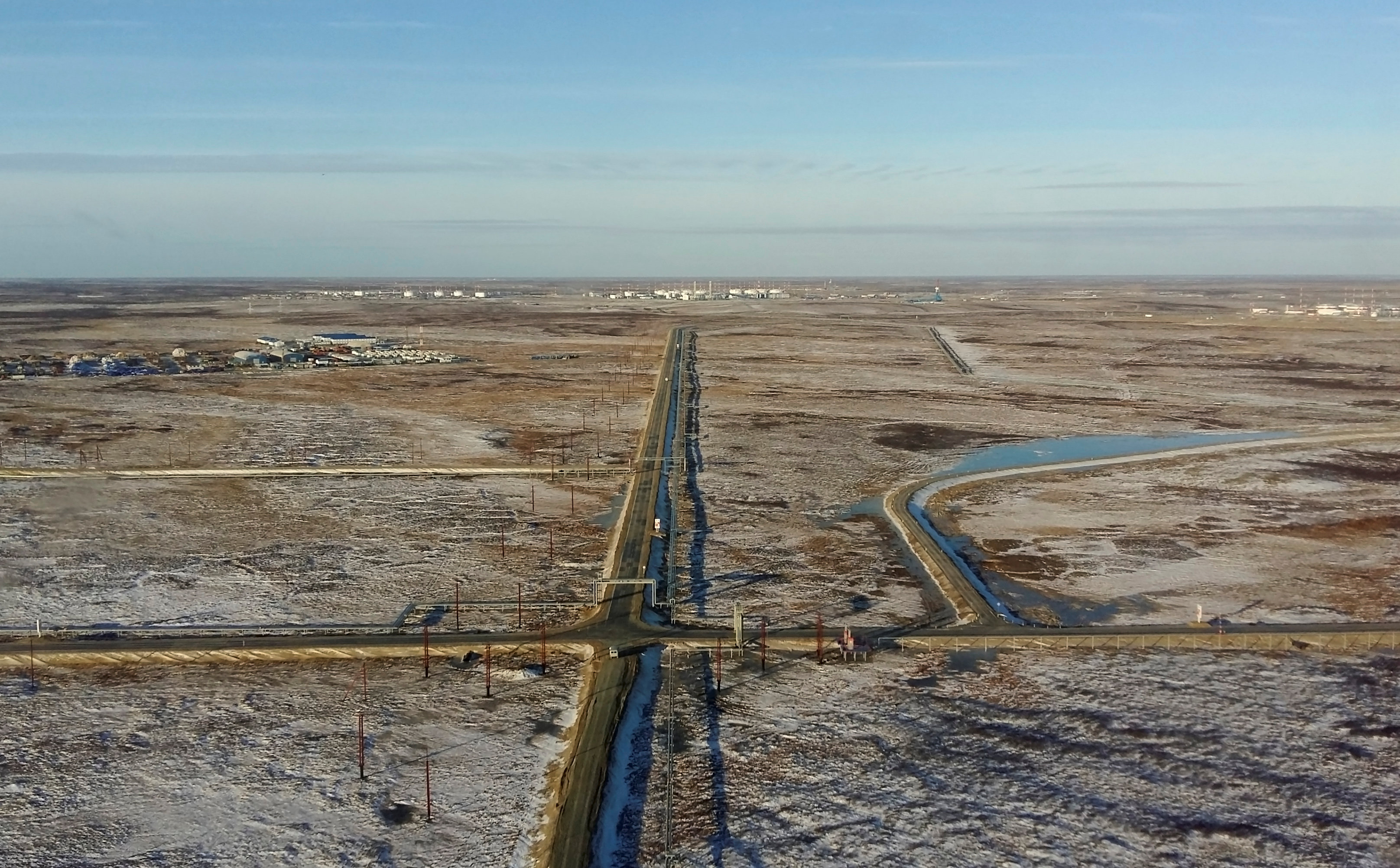 Yamal LNG project on track ship gas late next year, says Novatek official