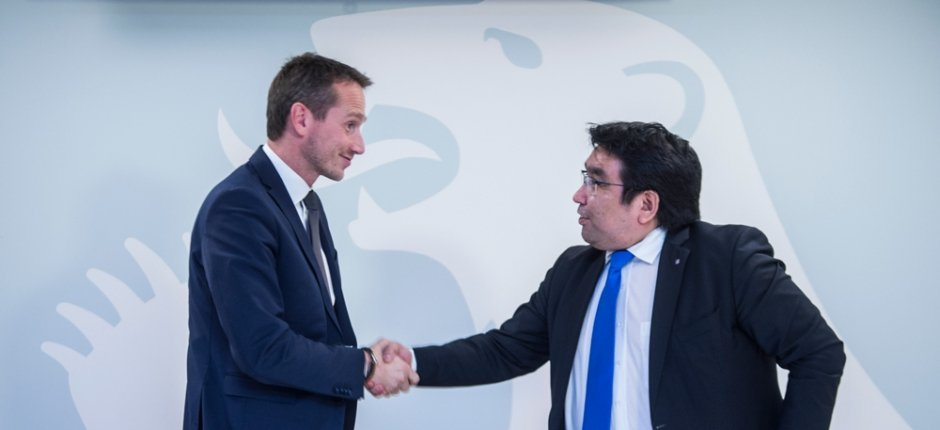 Danish Foreign Minister Kristian Jensen (left) and Greenlandic Foreign Minister Vittus Qujaukitsoq (right). (Leiff Josefsen / The Arctic Journal)