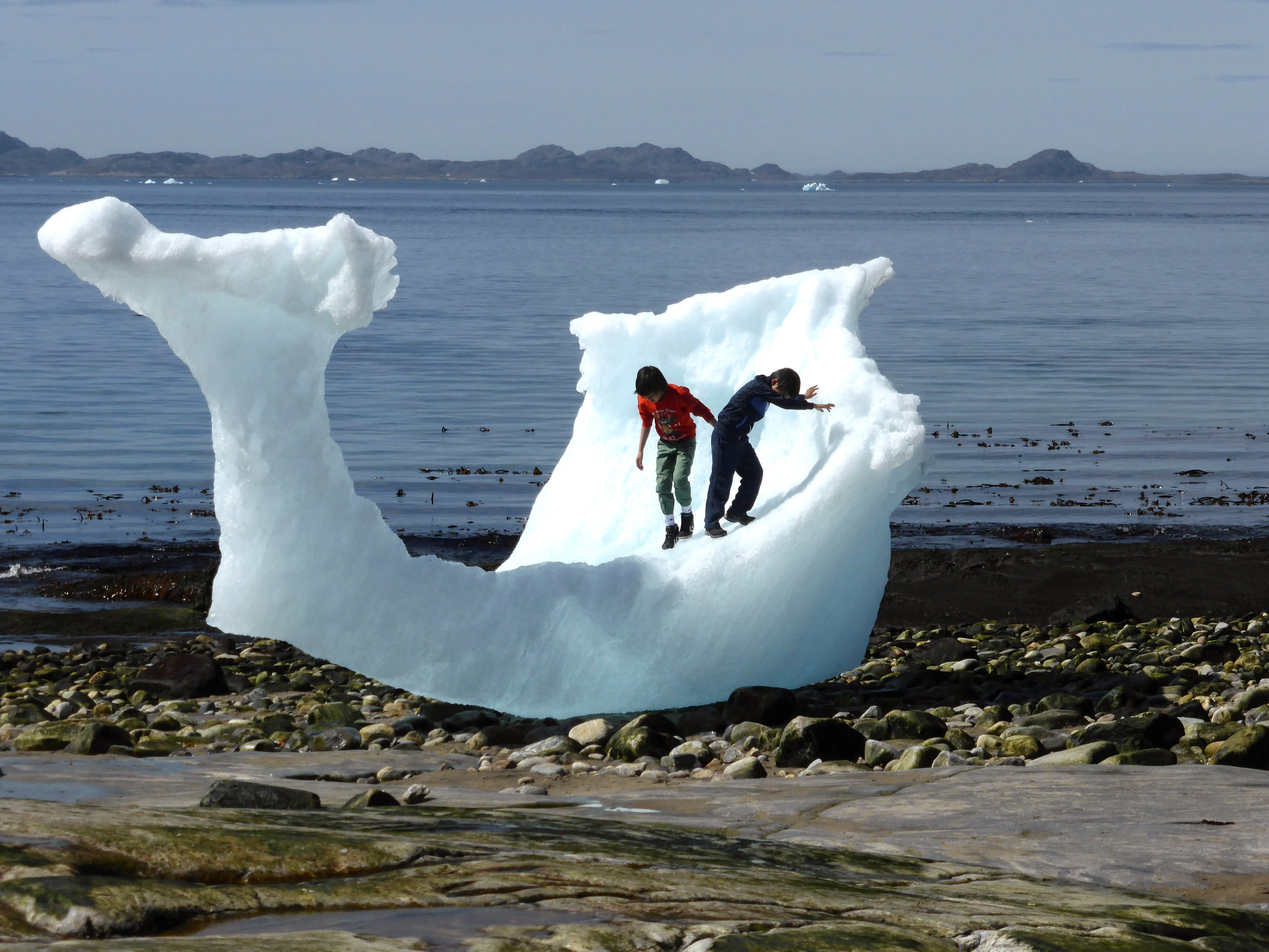 Cold tolerance among Inuit may come from extinct human relatives