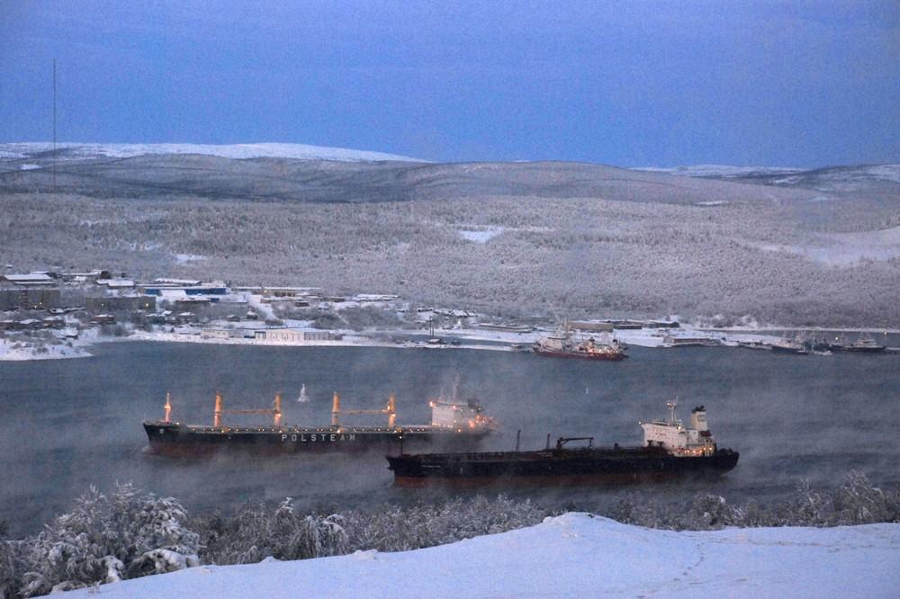 Rosneft seals deal over oil terminal in Murmansk