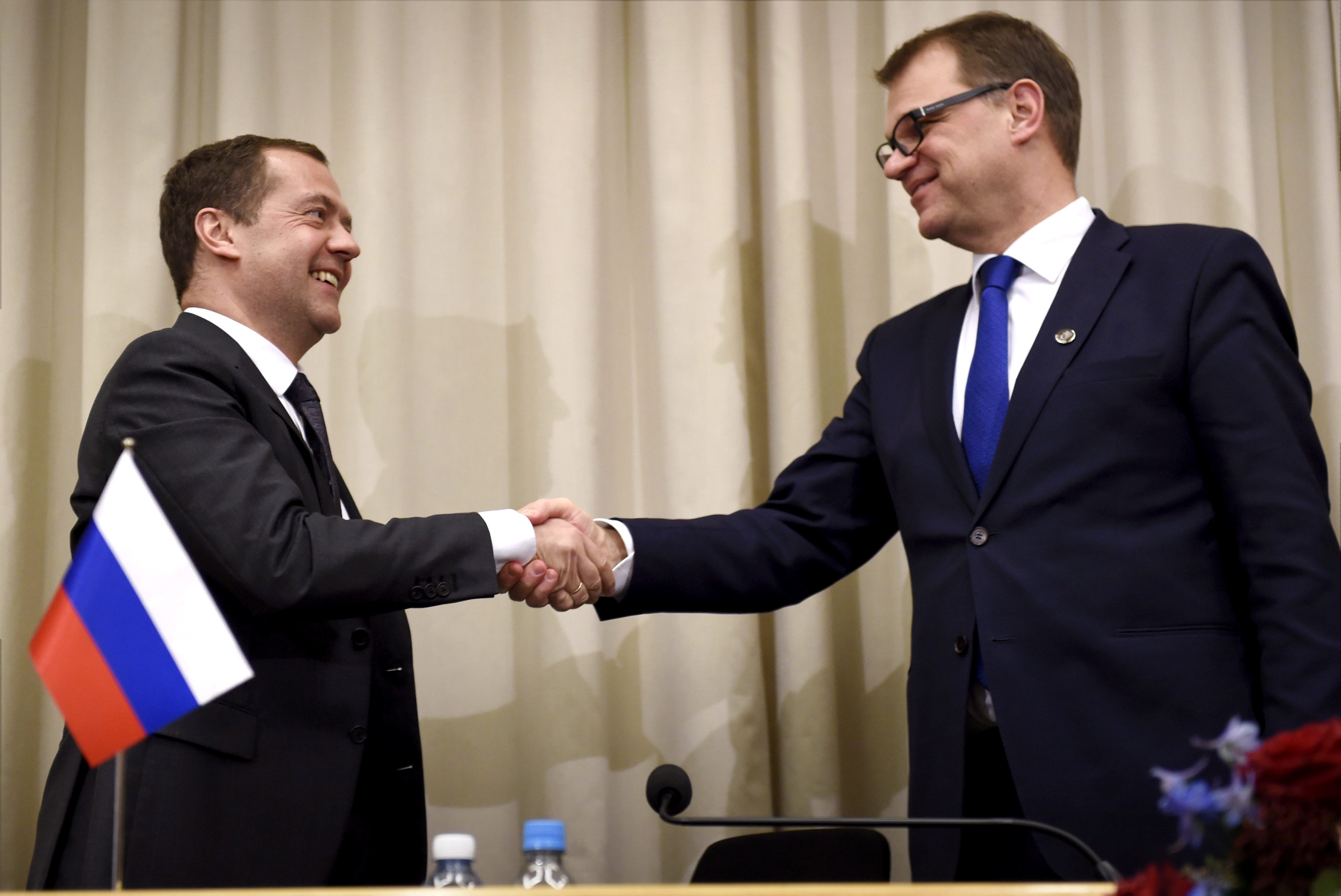 Sipilä, Medvedev discuss trans-Arctic cable