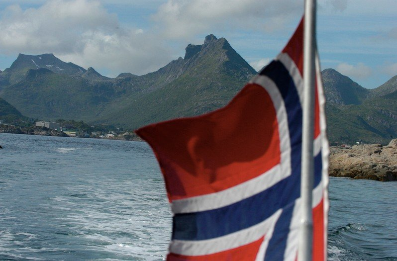 The Lofoten Islands are a center of controversy over the future of oil drilling in Norway. (Thomas Nilsen / The Independent Barents Observer)