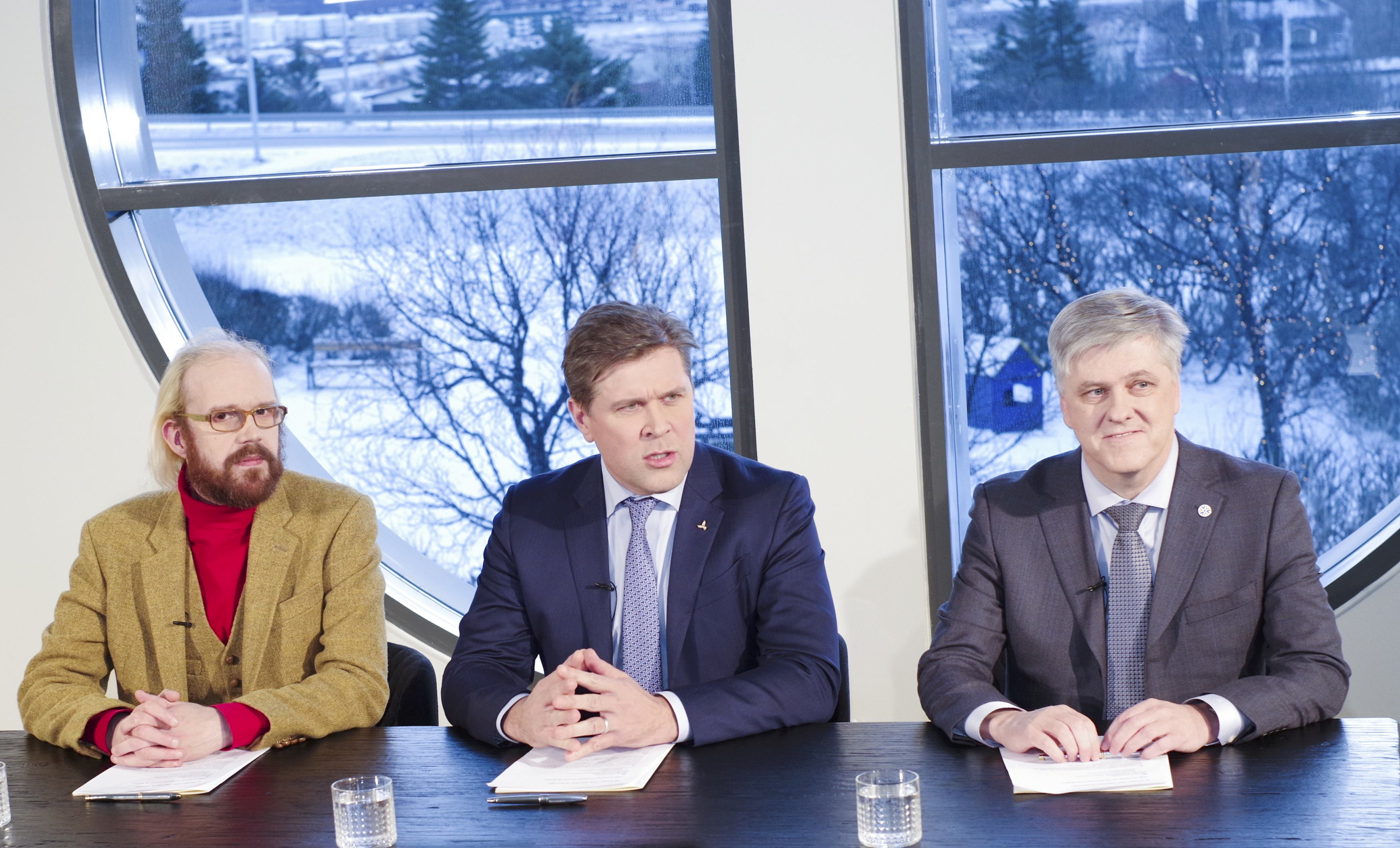 New Icelandic center-right coalition to give parliament vote on EU referendum