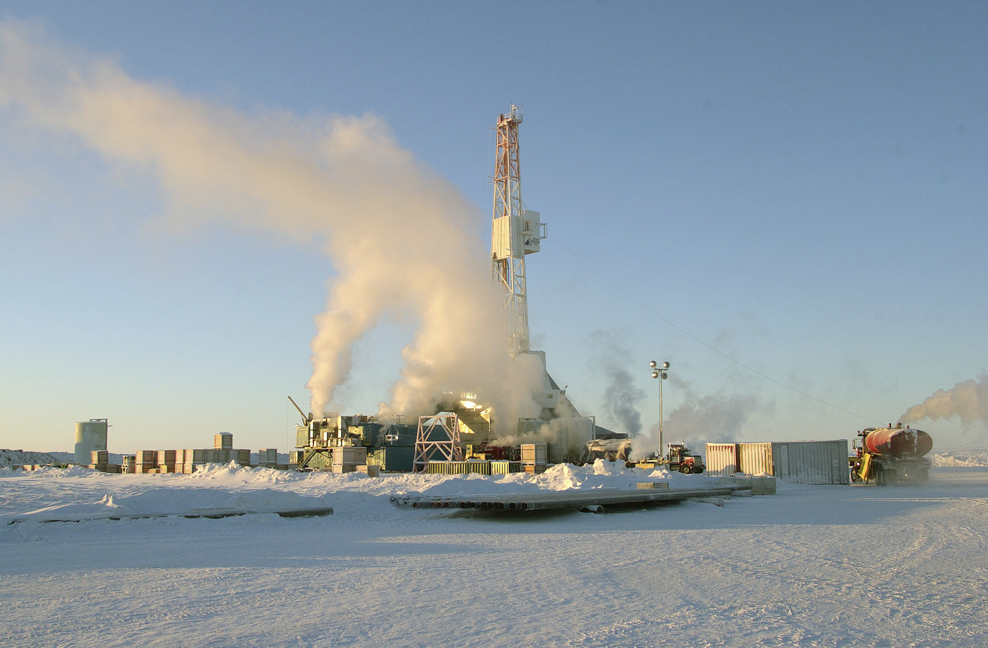 Arctic oil town fears future as Imperial's wells shut