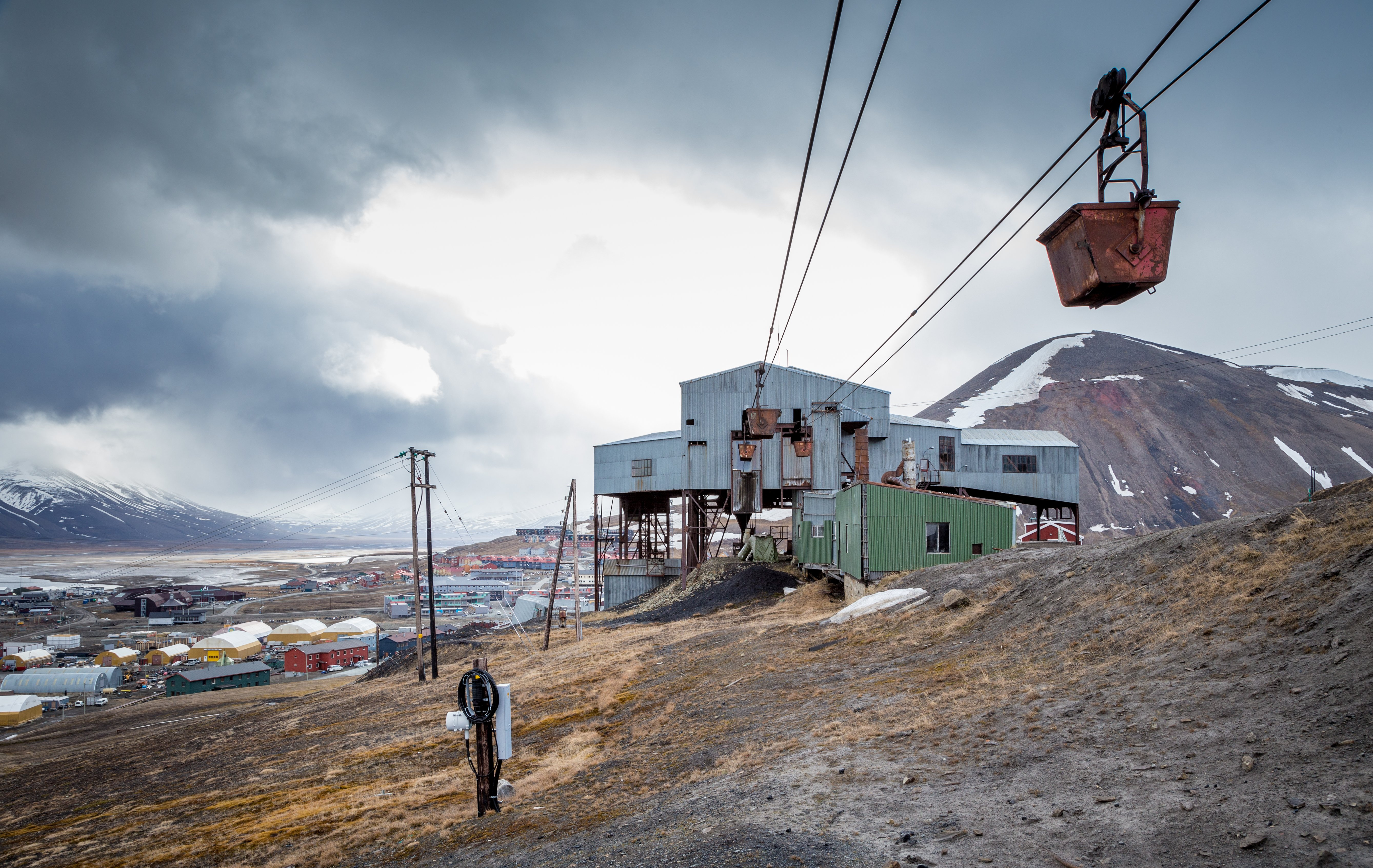 Infrastructure sits idle at the site of a coal mine near Longyearbyen, in Svalbard. (Getty)