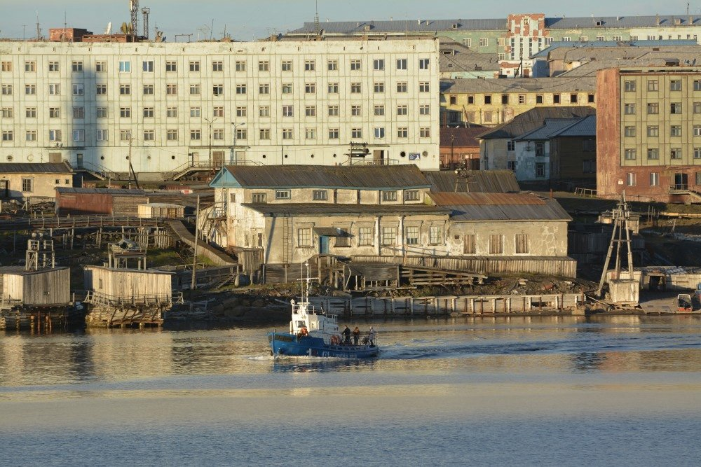 A declining Kara Sea town sees a future in coal