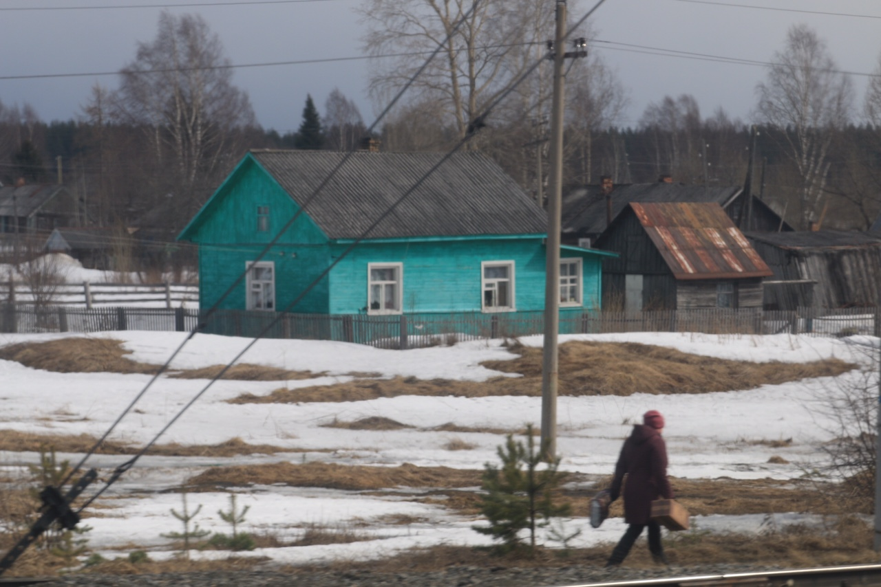 The Russian taiga is the definition of infinity. Houses and humans only appear as exceptions from the tight forest that stretches out all over the northern globe. (Arne O. Holm / High North News)