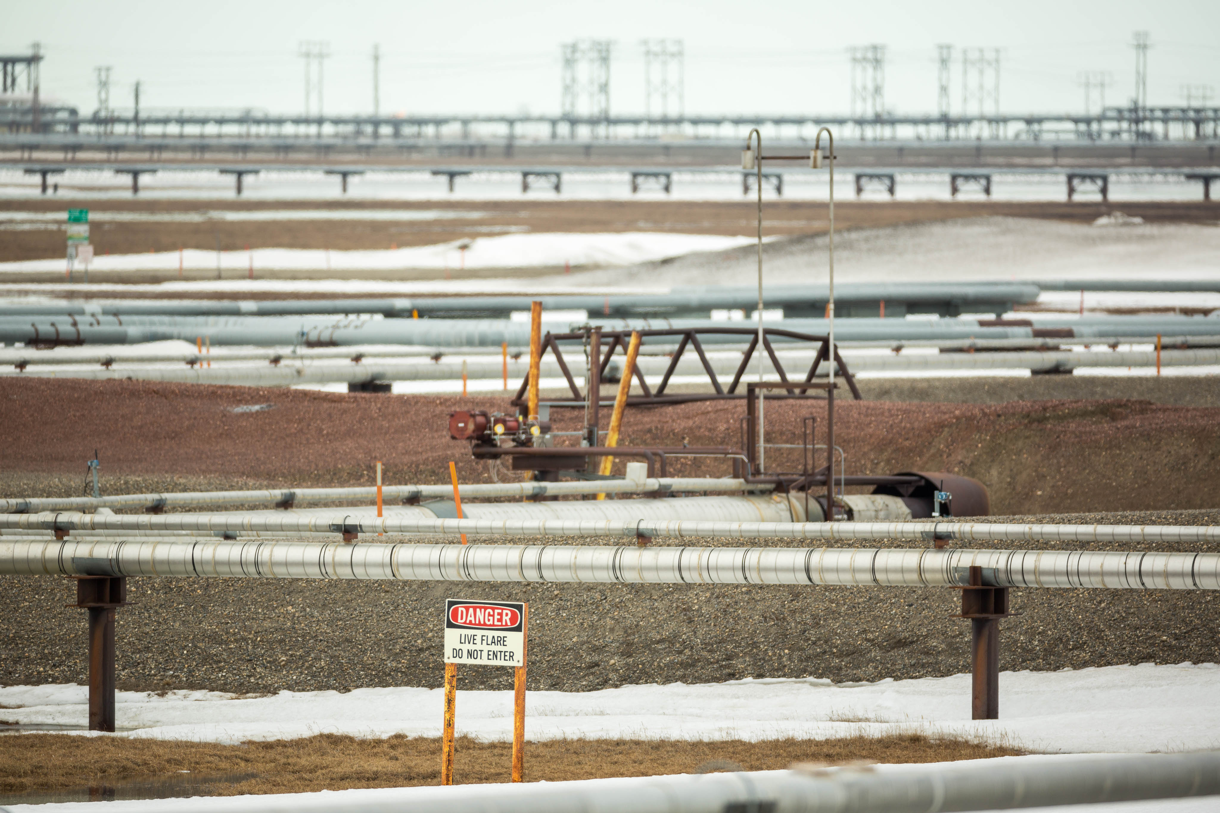 Crews stop leak in Prudhoe Bay well that sprayed oil and gas