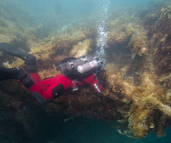 Parks Canada underwater team in Nunavut to examine HMS Terror