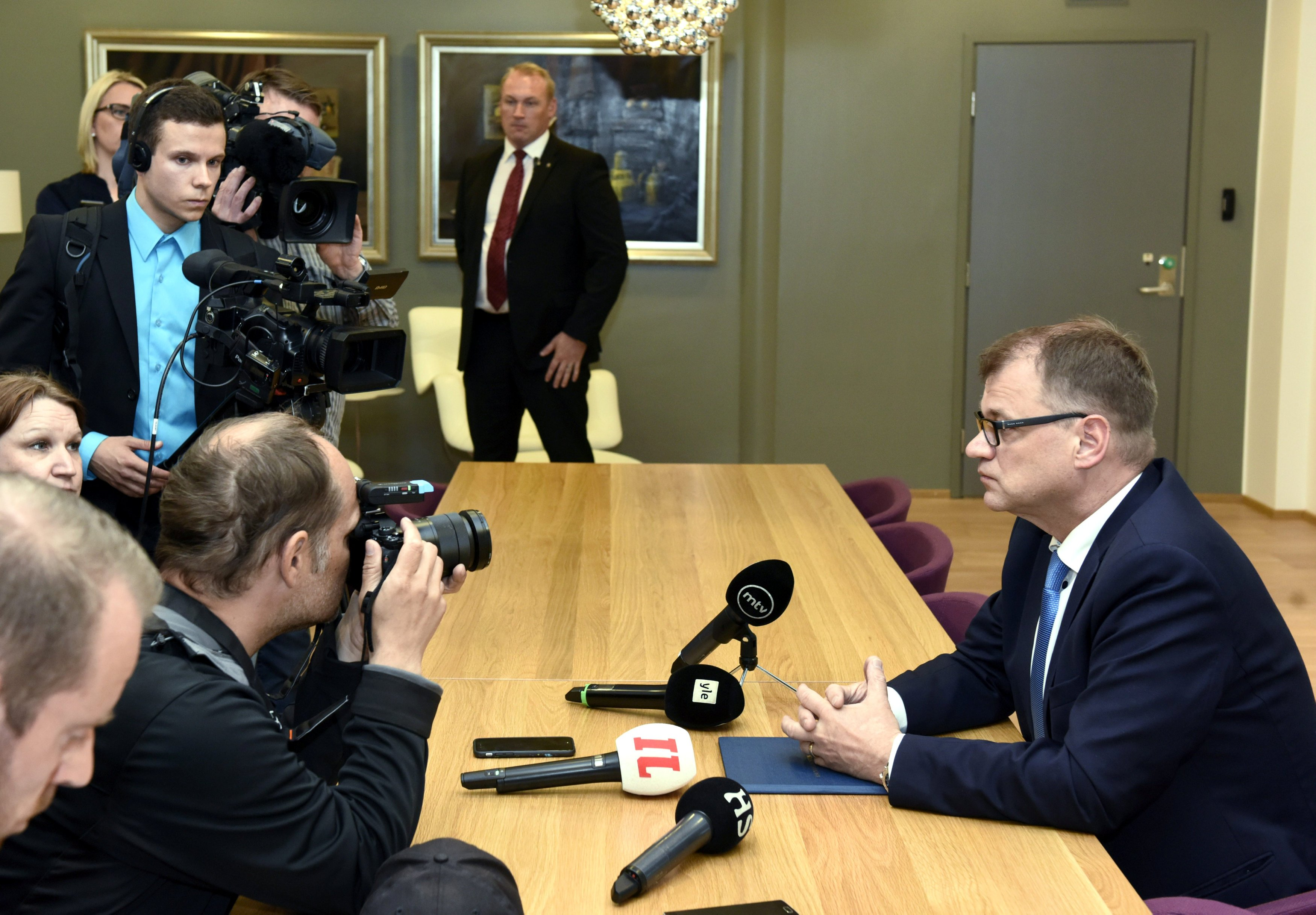 Finland dodges government collapse after nationalists split