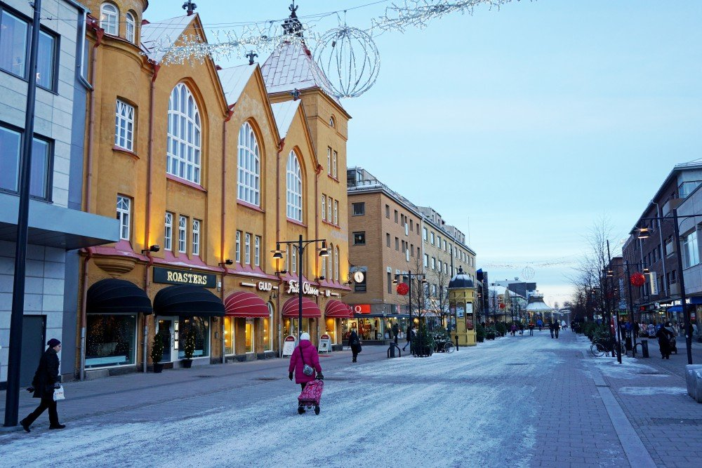 Luleå has about 75,000 inhabitants, and it's port is home to Sweden's fleet of icebreakers. (Thomas Nilsen / The Independent Barents Observer)