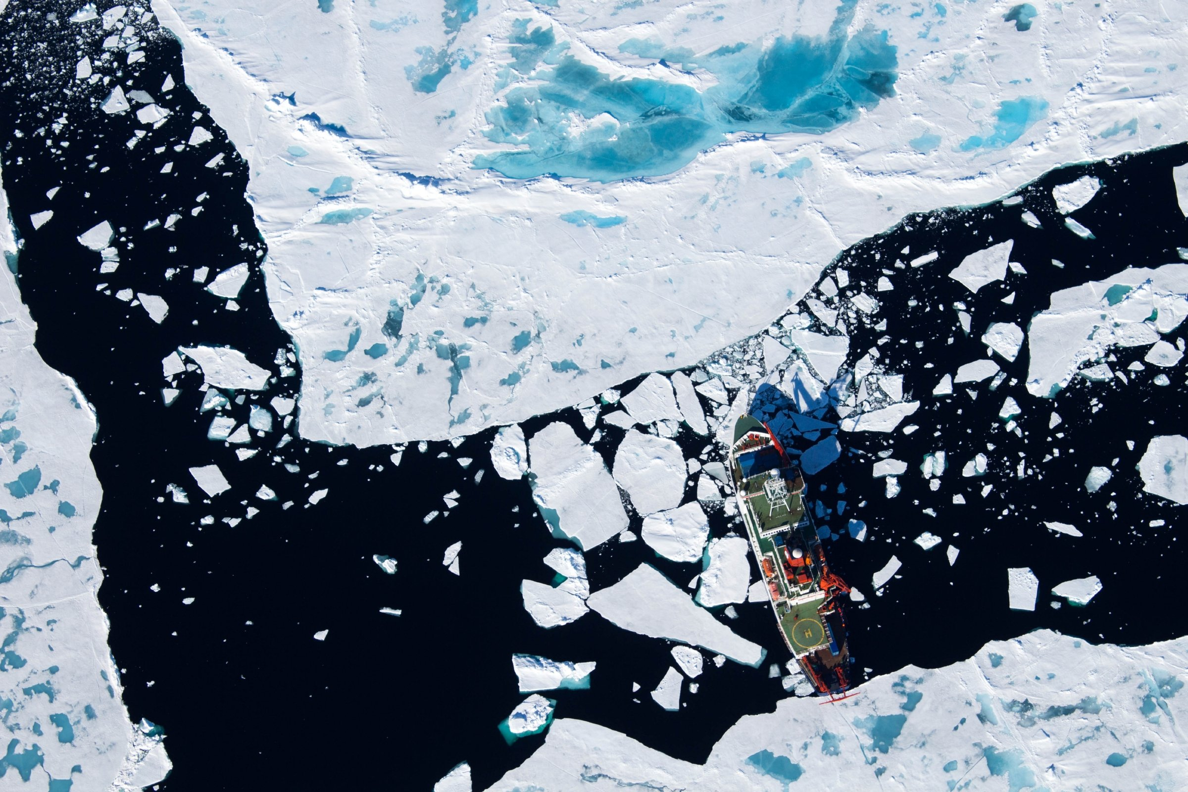 125,000 years ago, the central Arctic was covered by summer sea ice – even though temperatures were higher
