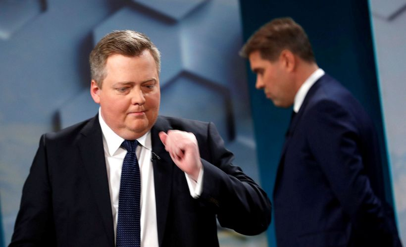 Former Prime Minister Sigmundur Davíð Gunnlaugsson was one of the winners in Sunday's elections, making a comeback with his new Center Party. Incumbent Prime Minister Bjarni Benediktsson, leader of the Independence Party in the background. (Eggert Jóhannesson / Iceland Monitor)