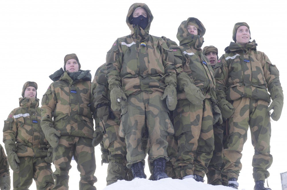 Norway orders snap drill of 2,000 soldiers above Arctic Circle