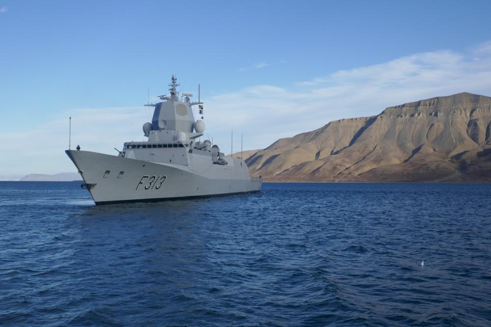 KNM Helge Ingstad at Svalbard in September 2017. (Royal Norwegian Navy via The Independent Barents Observer)