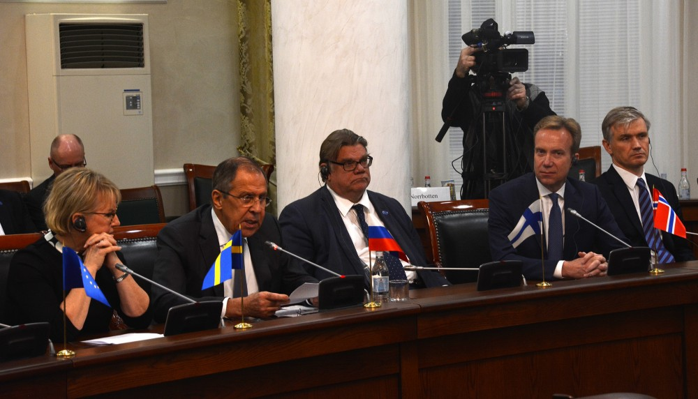 At Barents meeting, Lavrov blasts Norway over relations on Svalbard