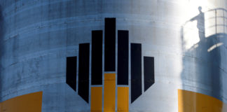 Rosneft considers redirecting millions of tons of oil to Russia's Arctic coast