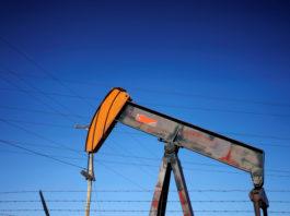 U.S. judge blocks drilling over climate change, casting doubt on Trump energy agenda