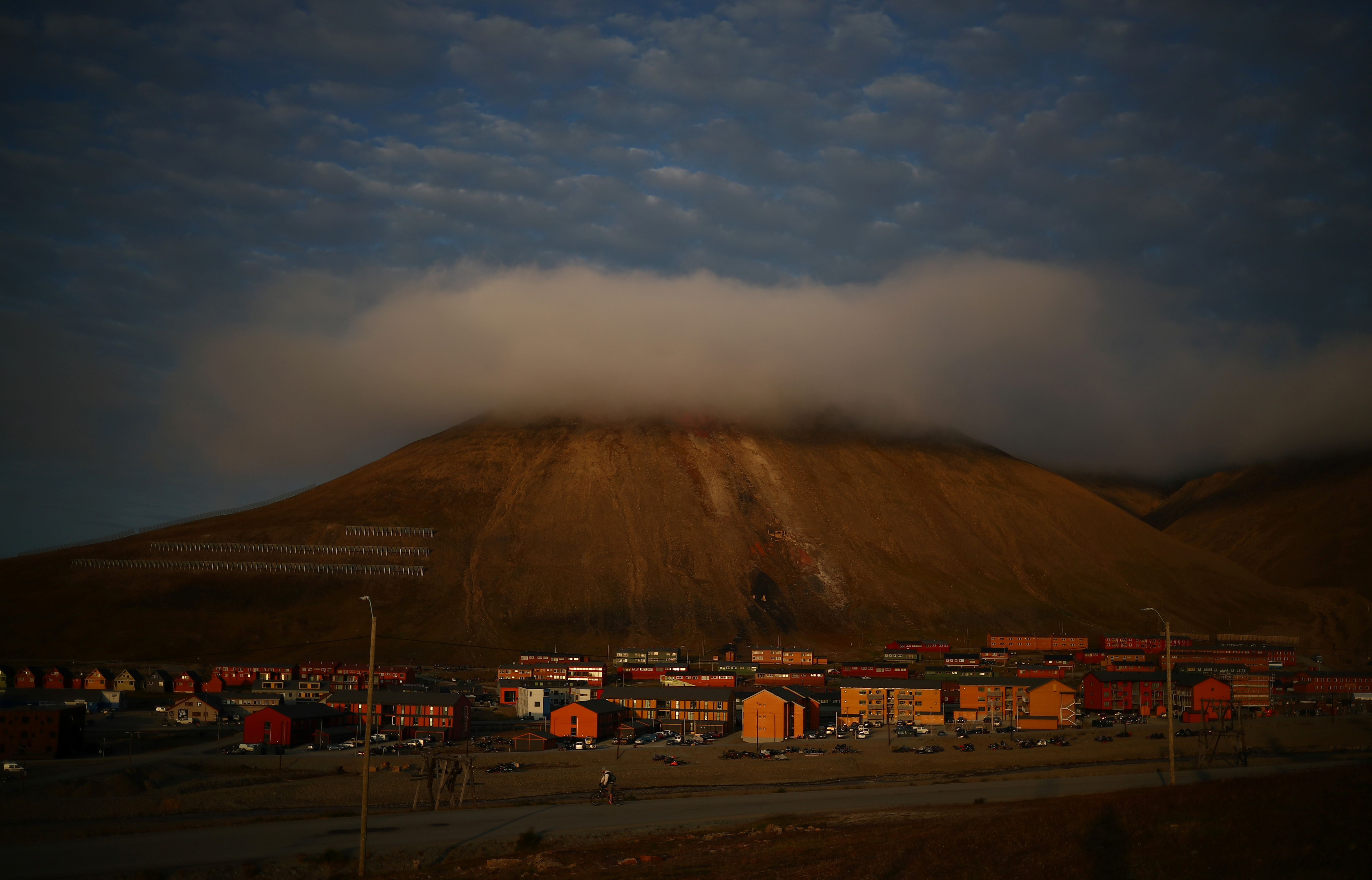 How a warming climate is changing Svalbard at an unprecedented rate - Arctic Today