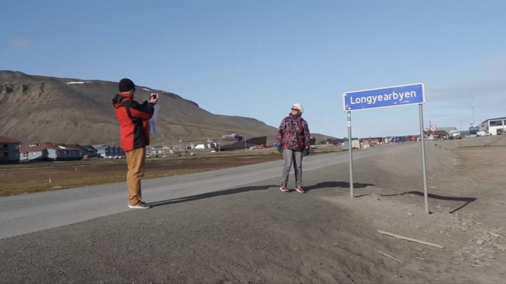Climate Change 'car crash' draws in visitors in the Arctic - Arctic Today