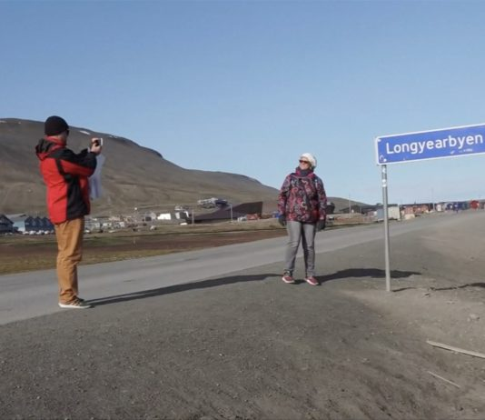 Climate Change 'car crash' draws in visitors in the Arctic