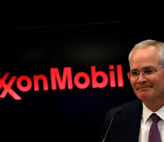 Exxon, BP bosses set for rare Russia showing with Putin