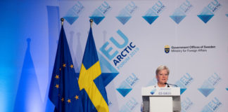 Brussels seeks new solid ground in melting Arctic