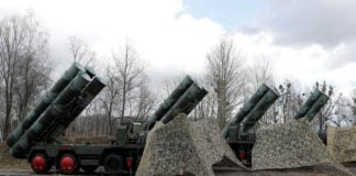 Russia plans to set up an Arctic air defense 'dome' with S-400 missiles