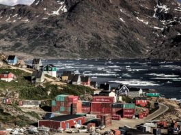 A Greenland shipper expands its Icelandic connections