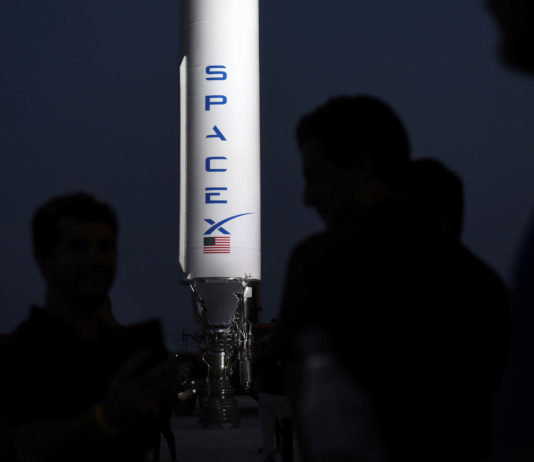 U.S. military to cooperate with SpaceX to overcome Arctic communication blackout