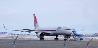 U.S. aircraft headed to Greenland grounded in Iqaluit
