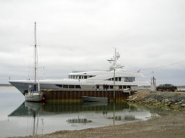 Canada moves to bar most pleasure craft from Arctic waters