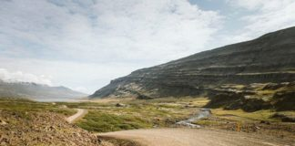 Greenland's first road project connecting settlements clears its last hurdle