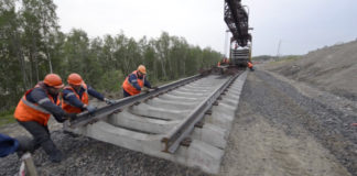 Train traffic resumes as Murmansk reconnects with rail grid