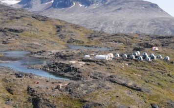 Public hearings on a controversial Greenland mine get underway