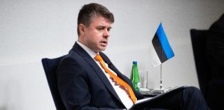 Estonia officially applies for Arctic Council observer status