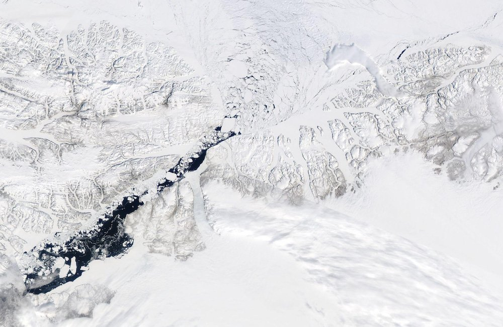 The plug keeping the Arctic's oldest ice in place is getting leaky - ArcticToday