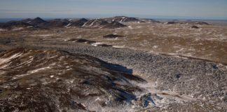 Sleepless Icelanders await a volcanic eruption