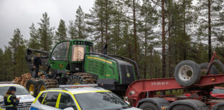 A Swedish Sámi herders association is at loggerheads with the state-owned forestry firm