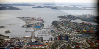 The US extends a new economic aid package to Greenland