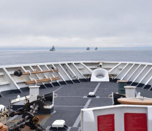 A US Coast Guard patrol unexpectedly encountered Chinese warships near Alaska's Aleutian Islands